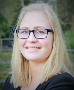 Julie mistede for otte år siden sin søn, Hjalte. Temaaftnerne i Landsforeningen Spædbarnsdød hjalp hende i sorgen. I dag er hun selv mødeleder.